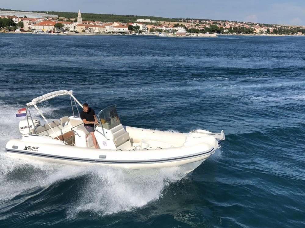 Location bateau Biograd na Moru pas cher Blackfin 25 Elegance