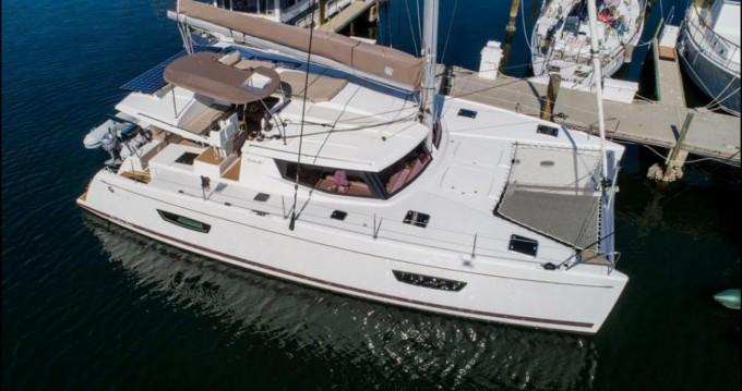 Location bateau Fountaine Pajot Helia 44 à Athènes sur Samboat