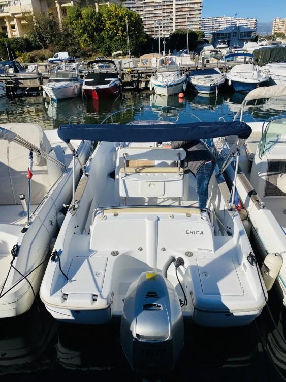 Louer Bateau à moteur avec ou sans skipper Bénéteau à Mandelieu-la-Napoule