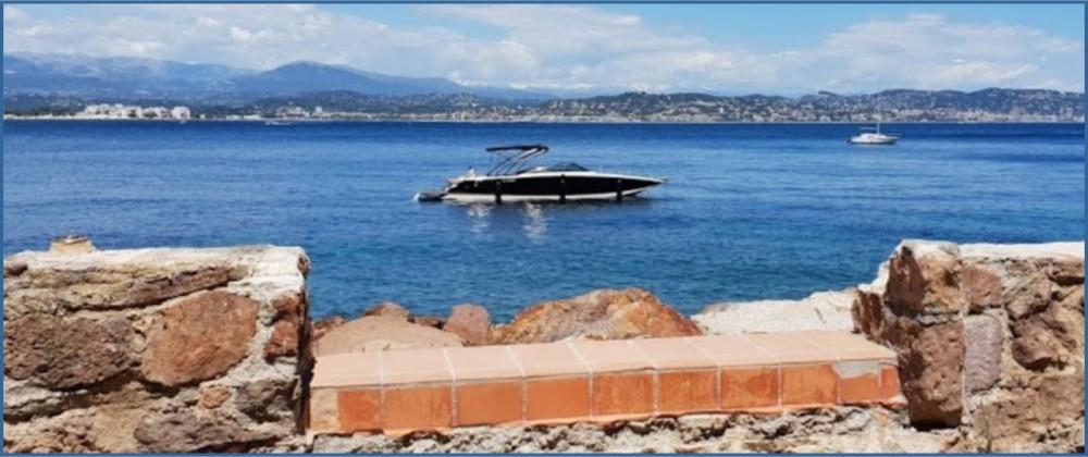 Louez un Four Winns 9 M version luxe à Cannes