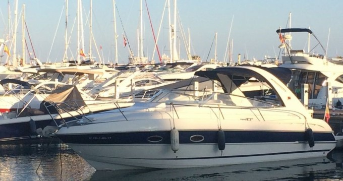 Louer Bateau à moteur avec ou sans skipper Bavaria à Île d'Ibiza