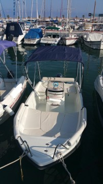 Louer Bateau à moteur avec ou sans skipper Solar Congo à Sitges