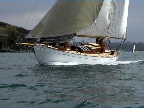 yacht classique BOB 4 Cornu entre particuliers et professionnel à Saint-Malo