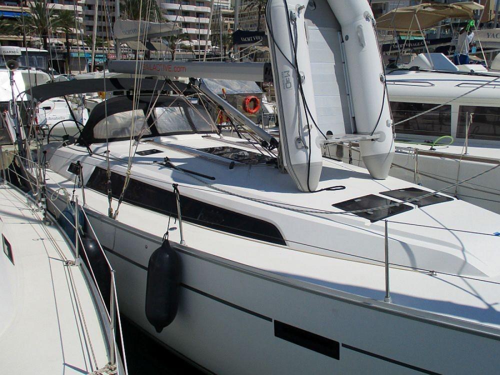 Bavaria Bavaria Cruiser 46 between personal and professional Marina Naviera Balear