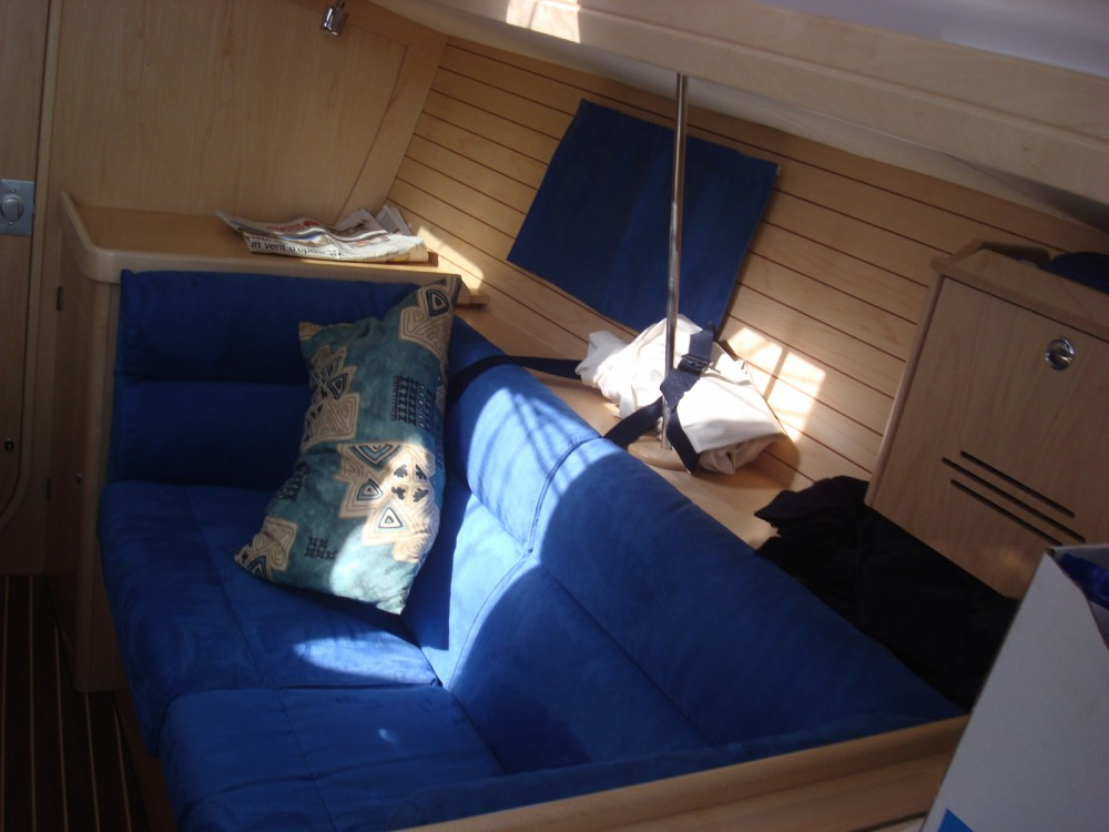 Louez un Alliaura-Marine Feeling 32 DI à Mortagne-sur-Gironde