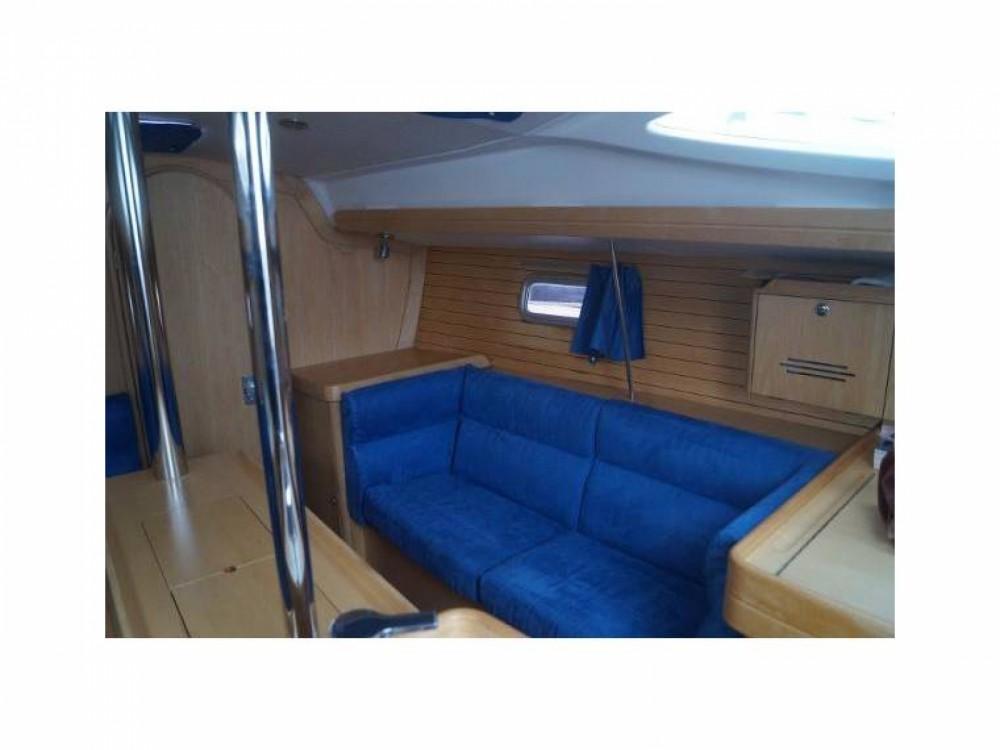 Location bateau Mortagne-sur-Gironde pas cher Feeling 32 DI