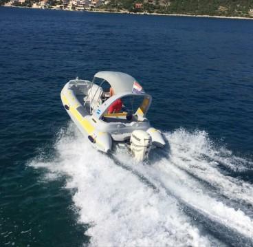Louez un Inmark-Marine Baracuda 20 à Trogir