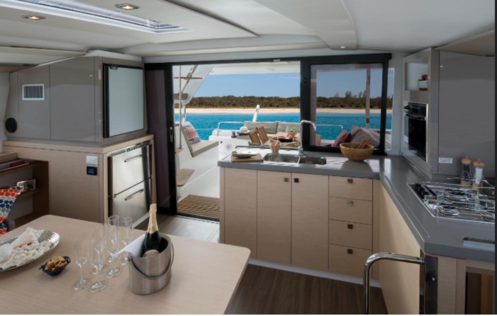 Catamaran à louer à La Spezia au meilleur prix