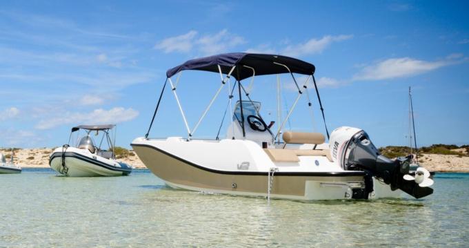 Louer Bateau à moteur avec ou sans skipper V2-Boat à La Savina