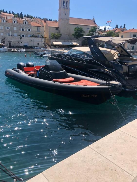 Location bateau Lomac Adrenalina 9.5 à Split sur Samboat
