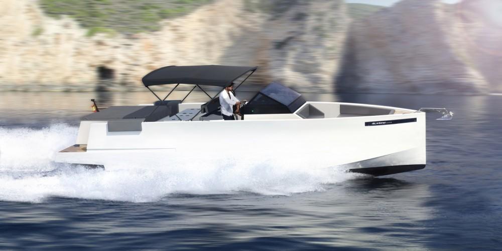 Location Bateau à moteur DE ANTONIO Yachts avec permis