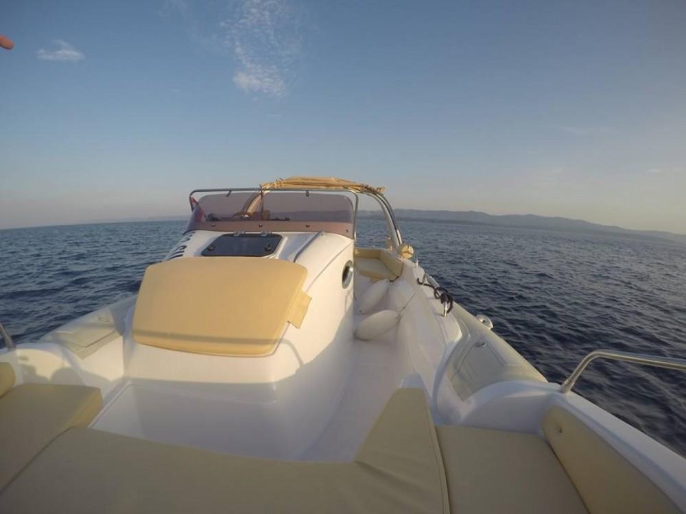 Aquamax B27 Offshore entre particuliers et professionnel à Bol