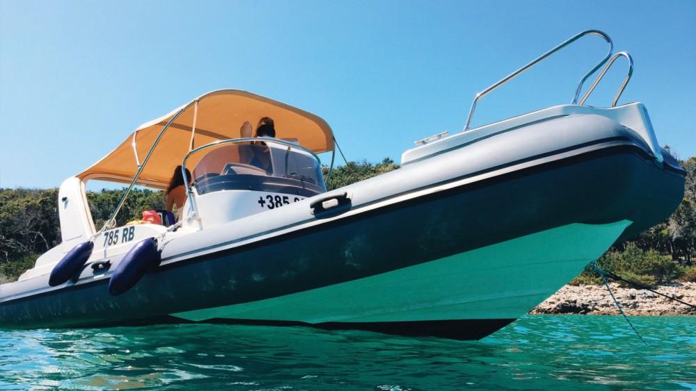 Aquamax B23 F entre particuliers et professionnel à Croatie