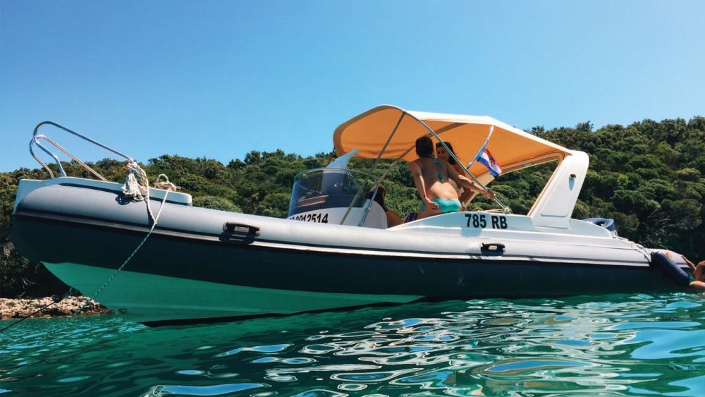 Location bateau Croatie pas cher B23 F