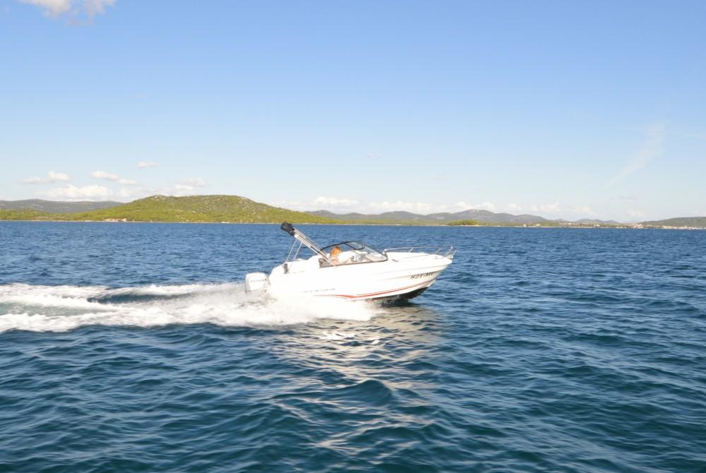 Location bateau Betina pas cher Cap Camarat 5.5 BR