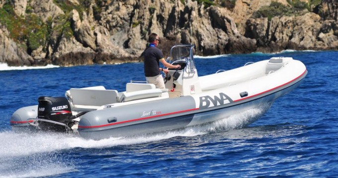 Louer Semi-rigide avec ou sans skipper Bwa à Porto Rotondo