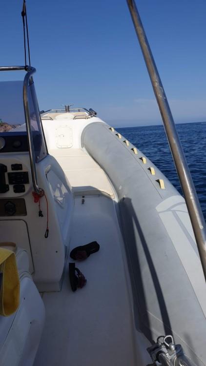 Louer Semi-rigide avec ou sans skipper Master Gommoni à Terracina