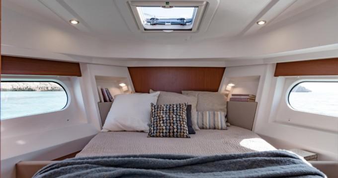 Location bateau La Rochelle pas cher Swift Trawler 30