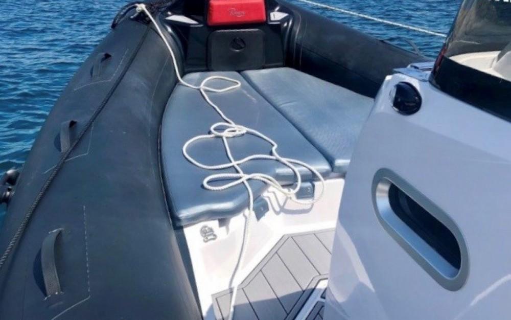 Location bateau Ranieri Cayman 26 Sport Touring à Marseille sur Samboat