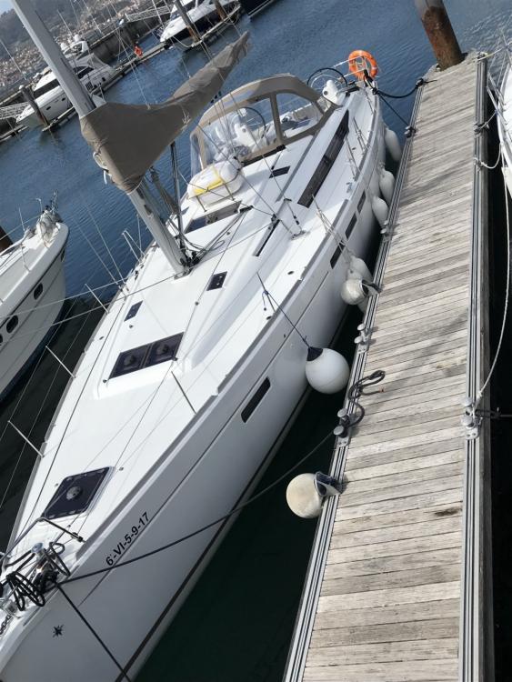 Louez un Jeanneau Sun Odyssey 45 à Vigo