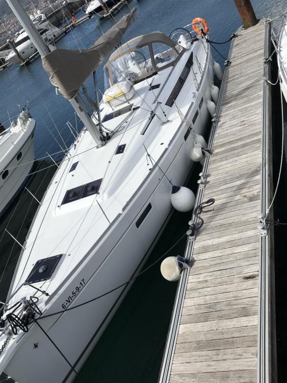 Location bateau Vigo pas cher Sun Odyssey 45