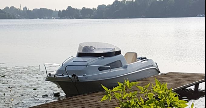 Louer Bateau à moteur avec ou sans skipper Mystrali  à Zeuthen