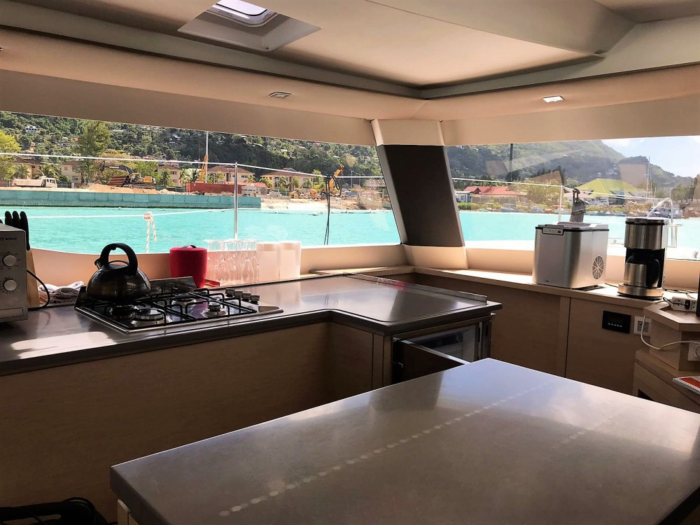 Location yacht à Victoria - Fountaine Pajot Saba 50 sur SamBoat