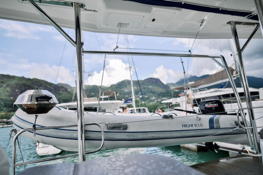 Louer Catamaran avec ou sans skipper Robertson and Caine à Victoria