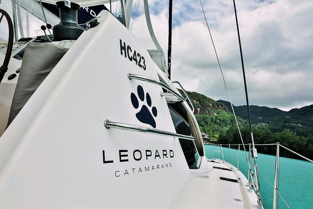 Location bateau Victoria pas cher Leopard 48
