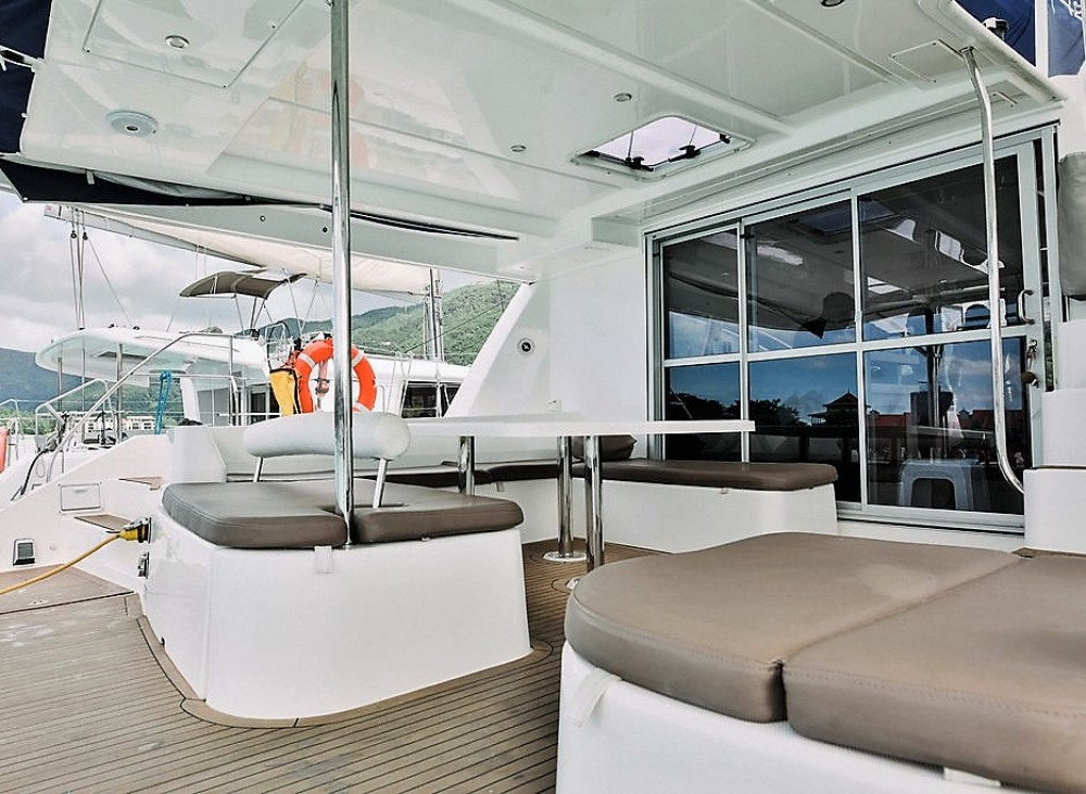 Location Catamaran à Victoria - Robertson and Caine Leopard 48