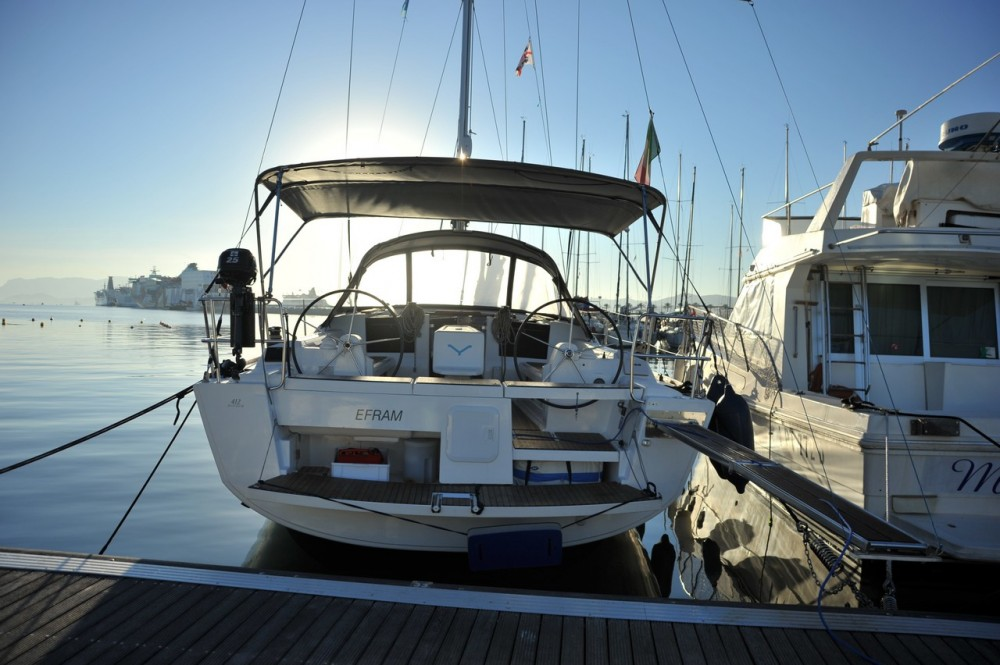 Location bateau Dufour Dufour 412 à Olbia sur Samboat