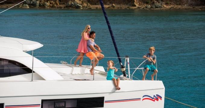 Location bateau Cannigione pas cher Leopard 4000