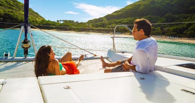 Location Catamaran à Cannigione - Robertson and Caine Leopard 4000