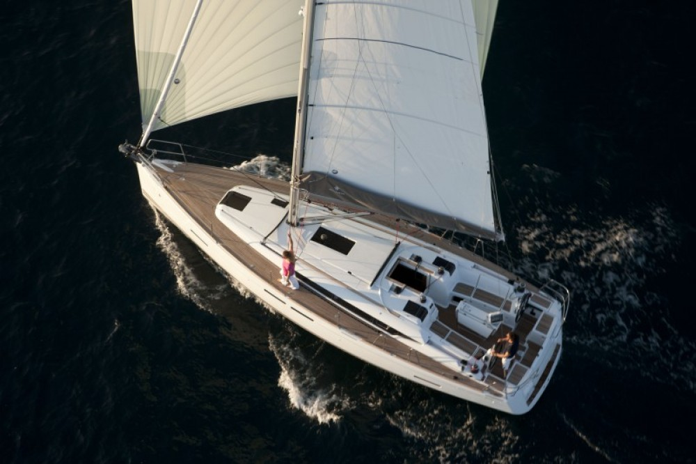 Location yacht à Furnari - Bénéteau Oceanis 381 sur SamBoat