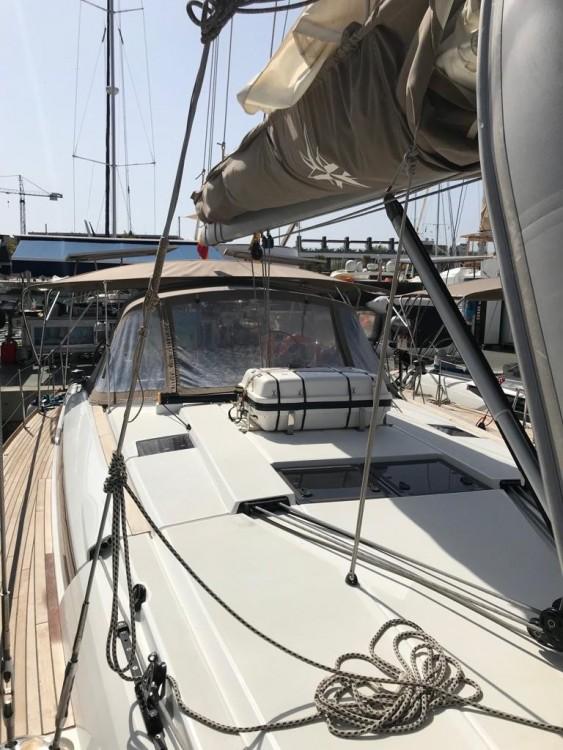 Location yacht à  - Jeanneau Sun Odyssey 519 sur SamBoat
