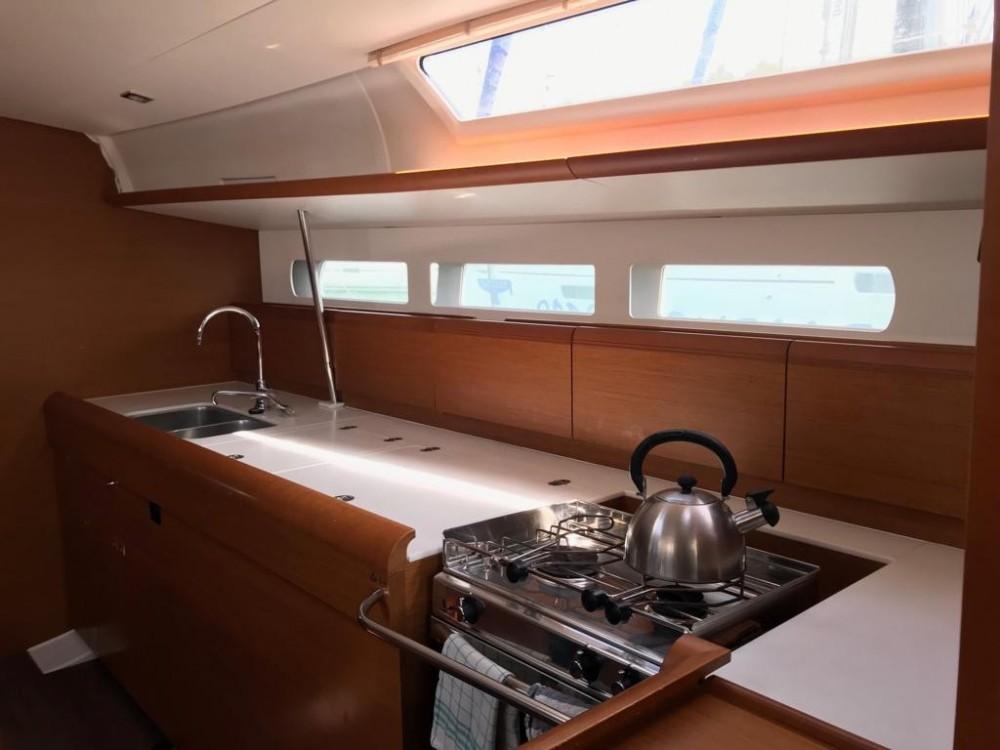Location bateau Jeanneau Sun Odyssey 519 à  sur Samboat