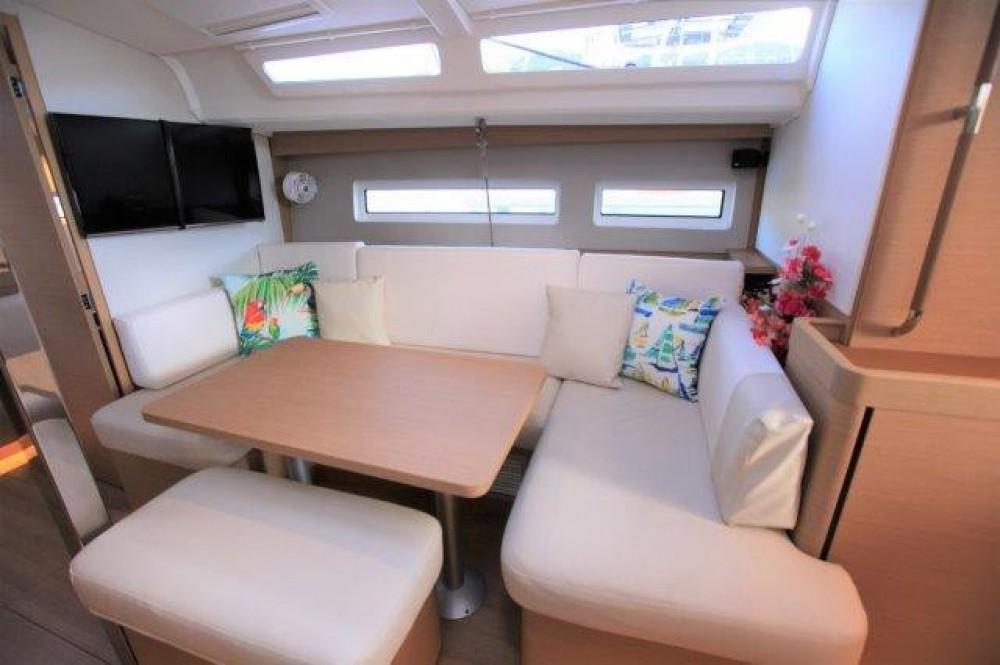 Location bateau Road Town pas cher Sun Odyssey 44 Ds