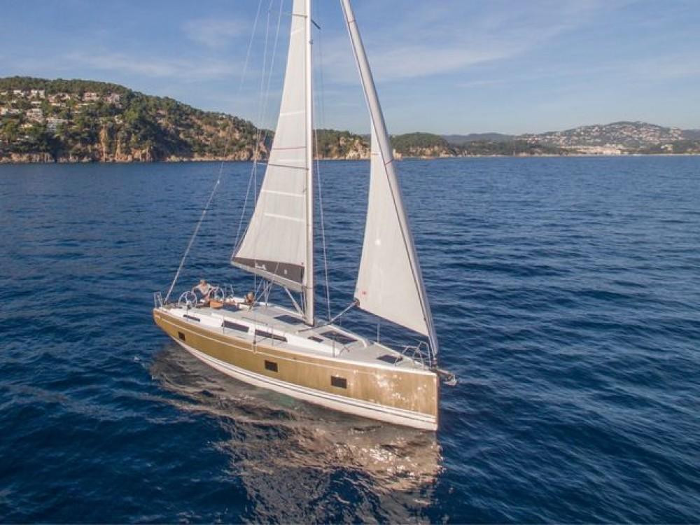 Location bateau Volos pas cher Hanse 418