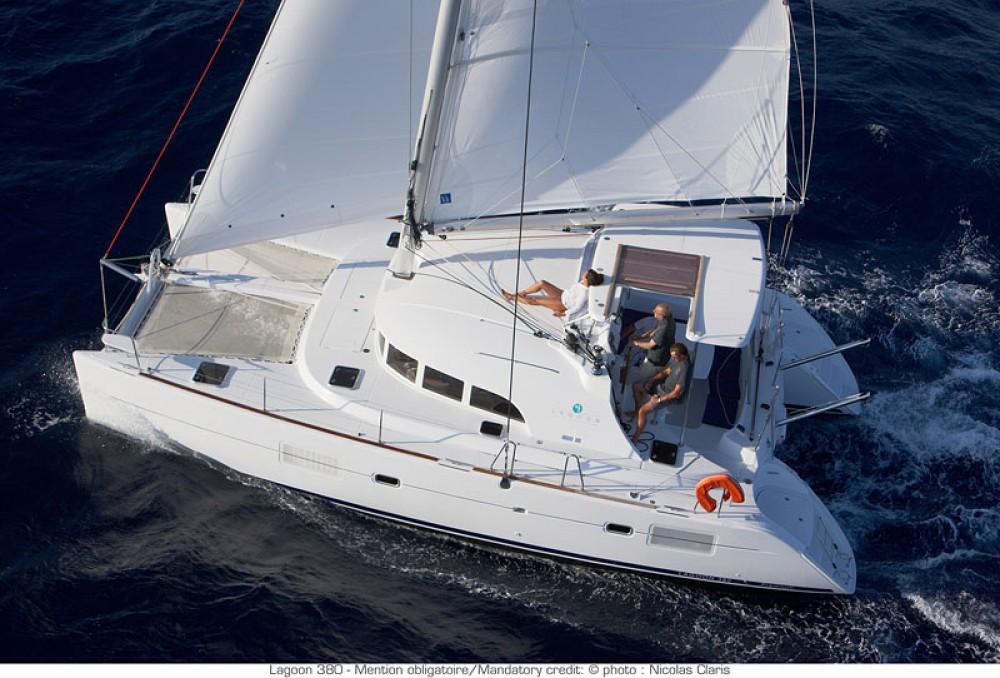 Louer Catamaran avec ou sans skipper Lagoon à Péloponnèse, Grèce occidentale et Îles Ioniennes