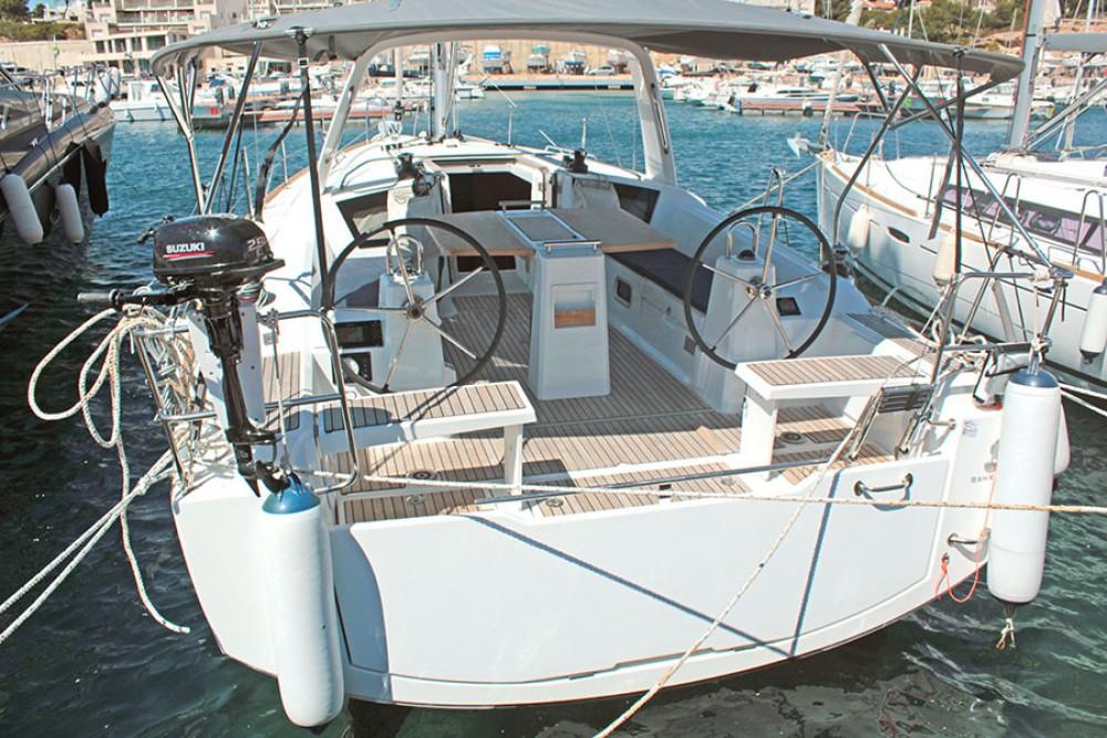 Bénéteau Oceanis 38.1 entre particuliers et professionnel à Palma