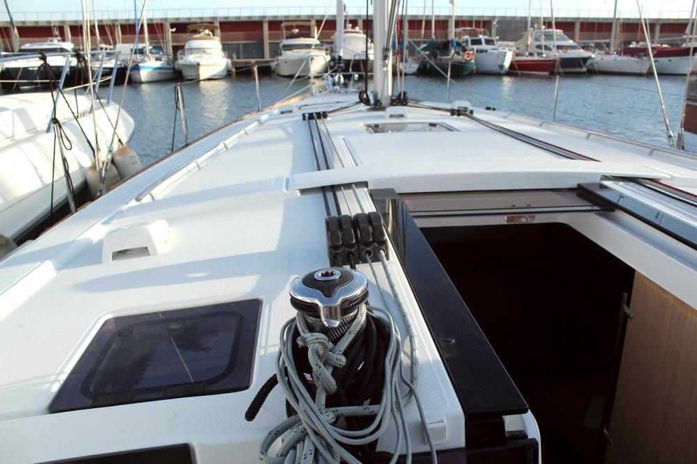 Location bateau Bénéteau Oceanis 45 à  sur Samboat