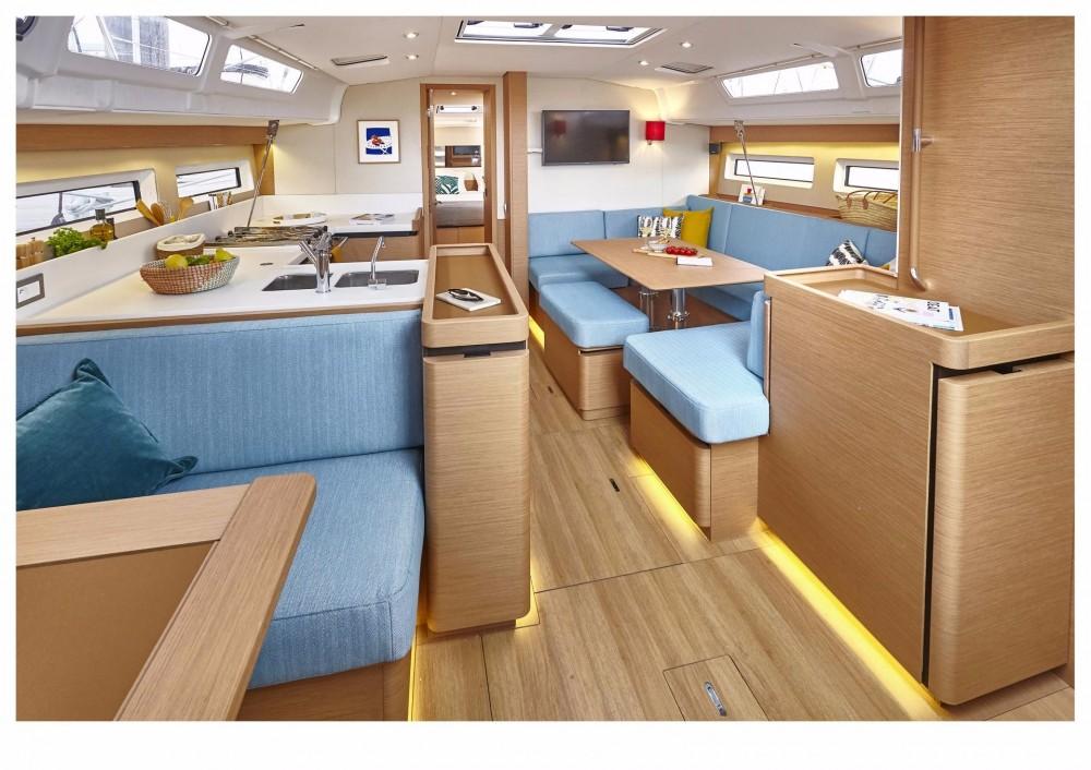 Location bateau Keramoti pas cher Sun Odyssey 490