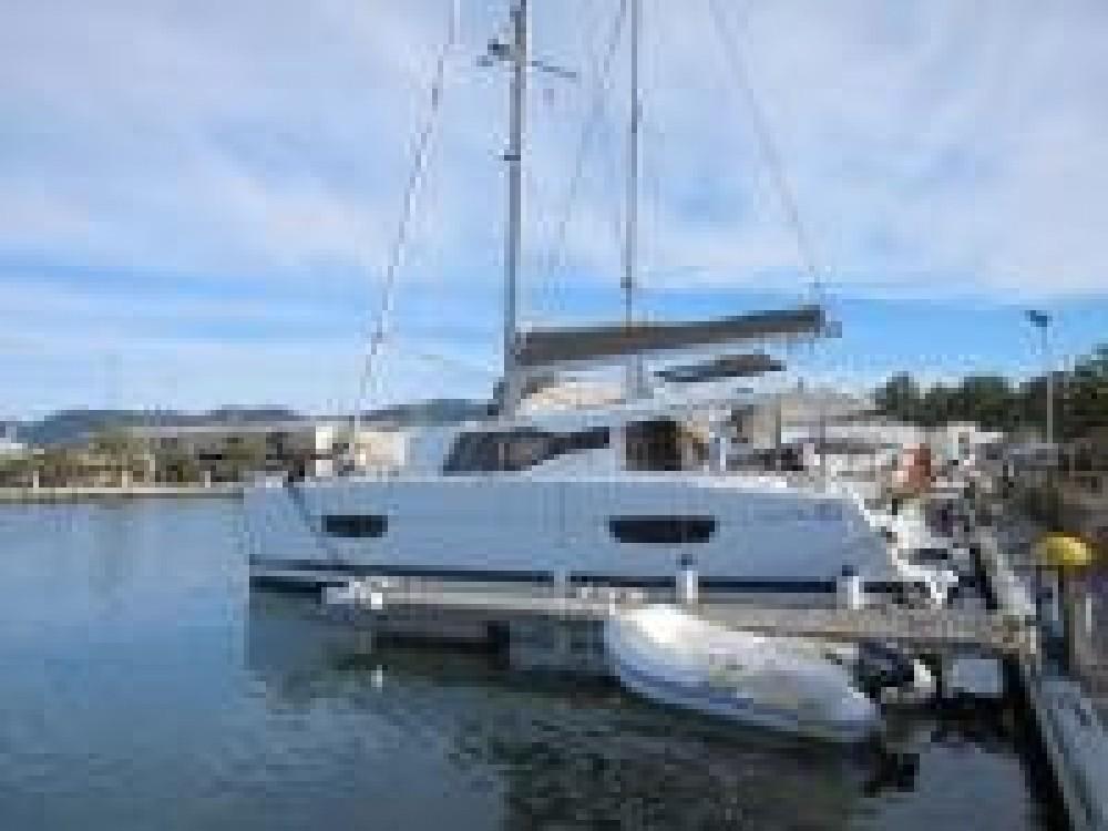 Louer Catamaran avec ou sans skipper Lucia à Italie