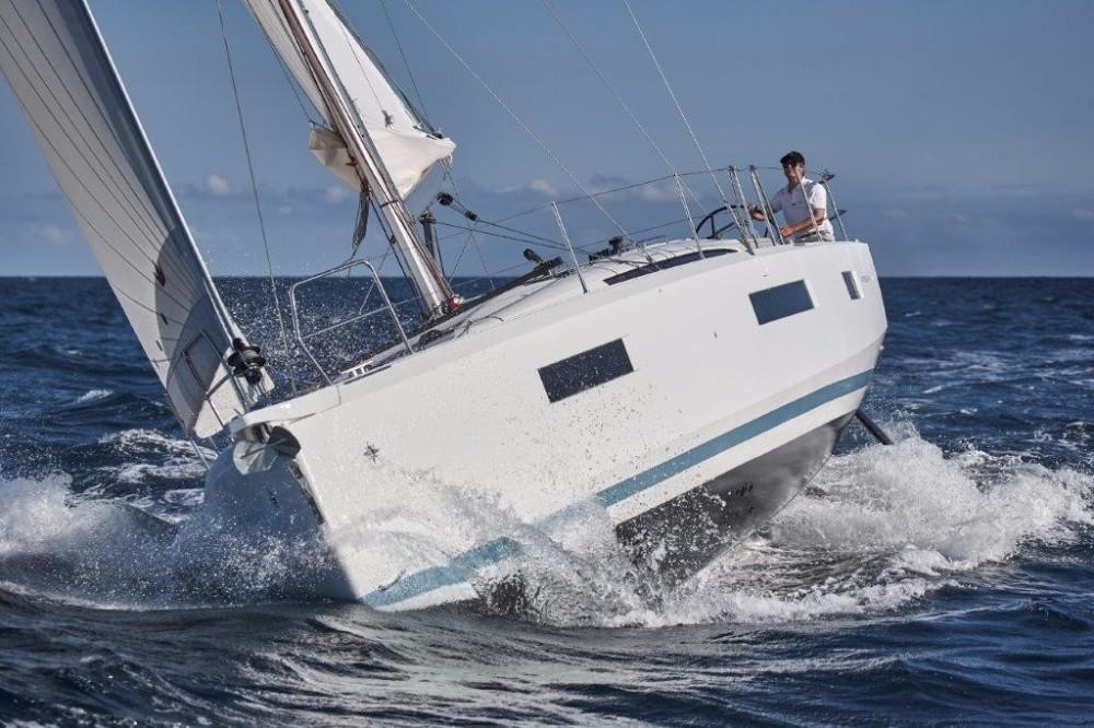 Location bateau Jeanneau Sun Odyssey 440 à Athènes sur Samboat