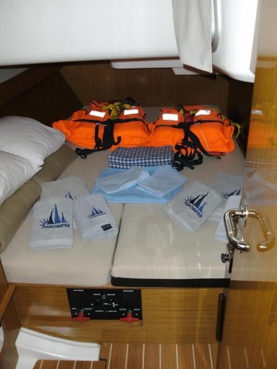 Location bateau Jeanneau Sun Odyssey 409 à Pula sur Samboat