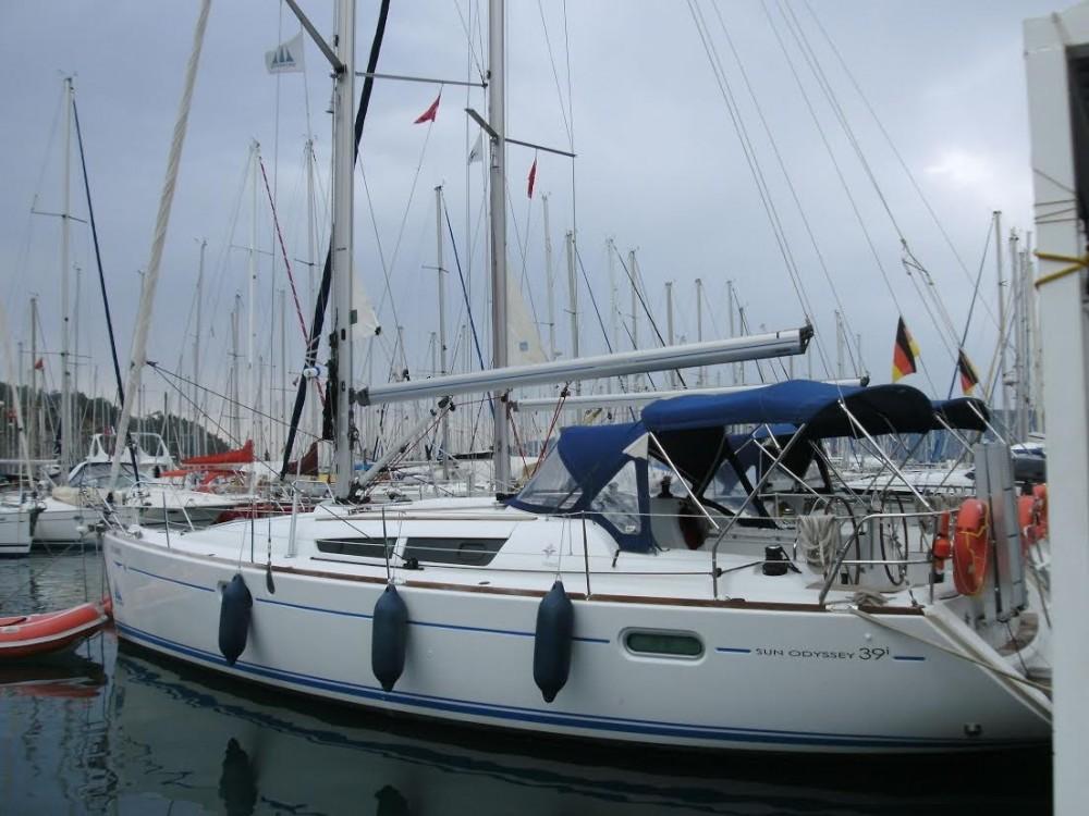 Jeanneau Sun Odyssey 409 entre particuliers et professionnel à Pula