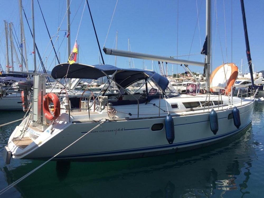 Jeanneau Sun Odyssey 44i entre particuliers et professionnel à Pula