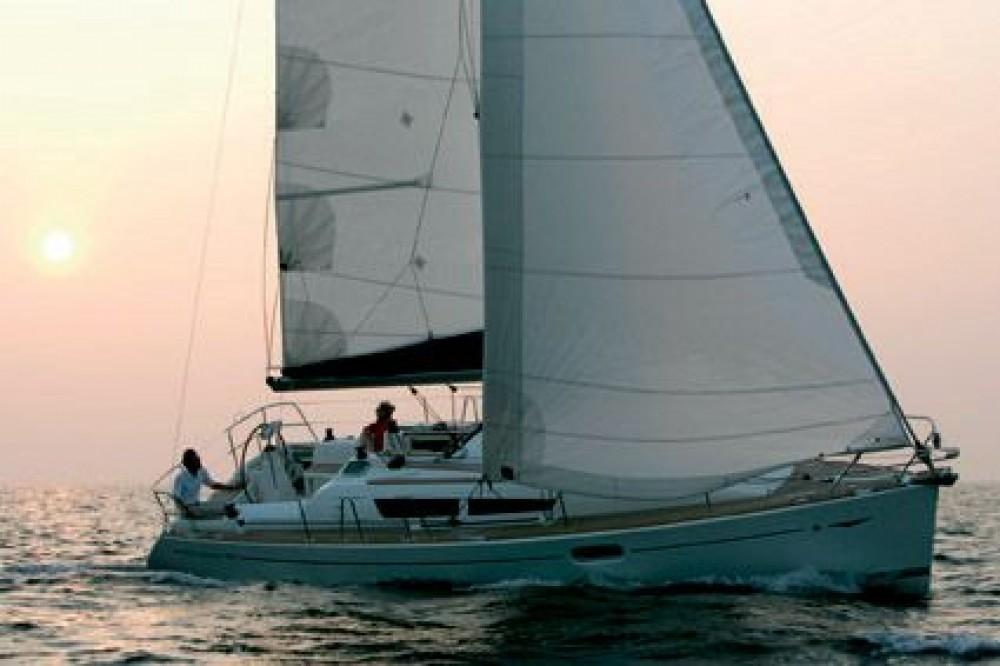 Jeanneau Sun Odyssey 36i entre particuliers et professionnel à Athènes