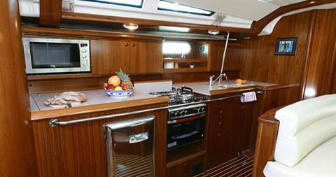 Location bateau Jeanneau Sun Odyssey 49 à Kavala sur Samboat