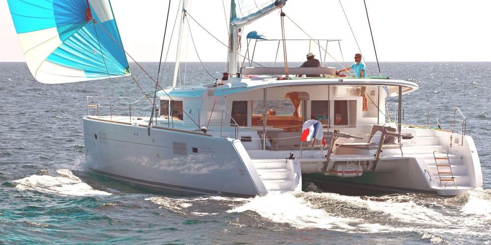 Louer Catamaran avec ou sans skipper CNB à Calliaqua